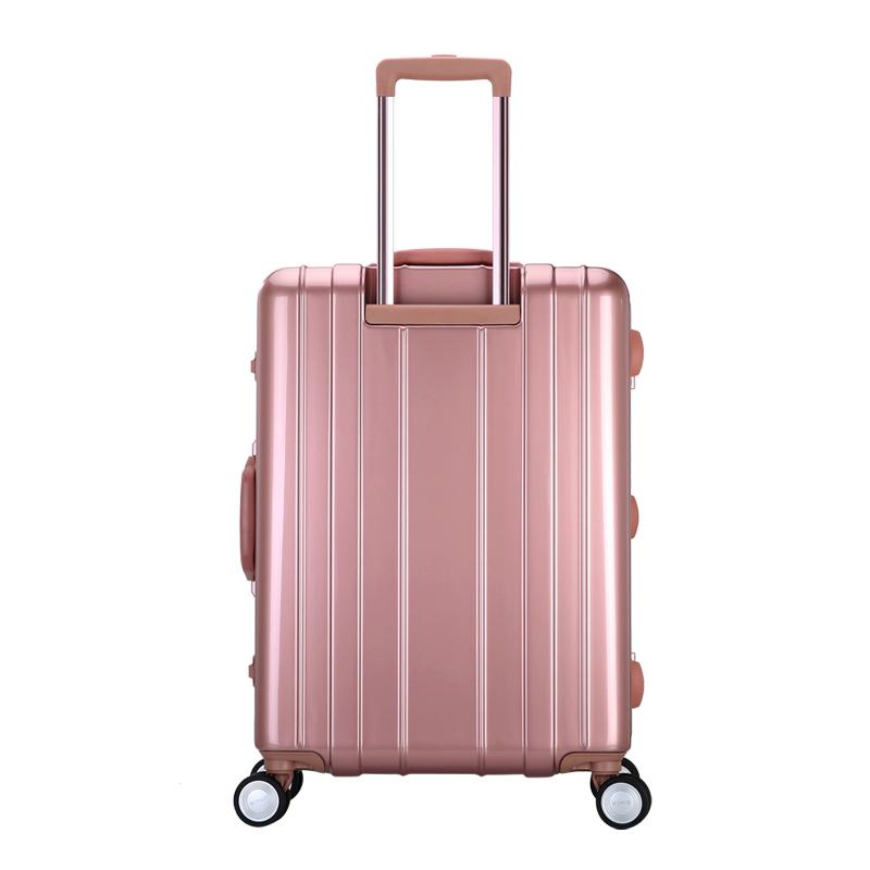 《疯狂衣橱》郭品超--机长系列旅行箱