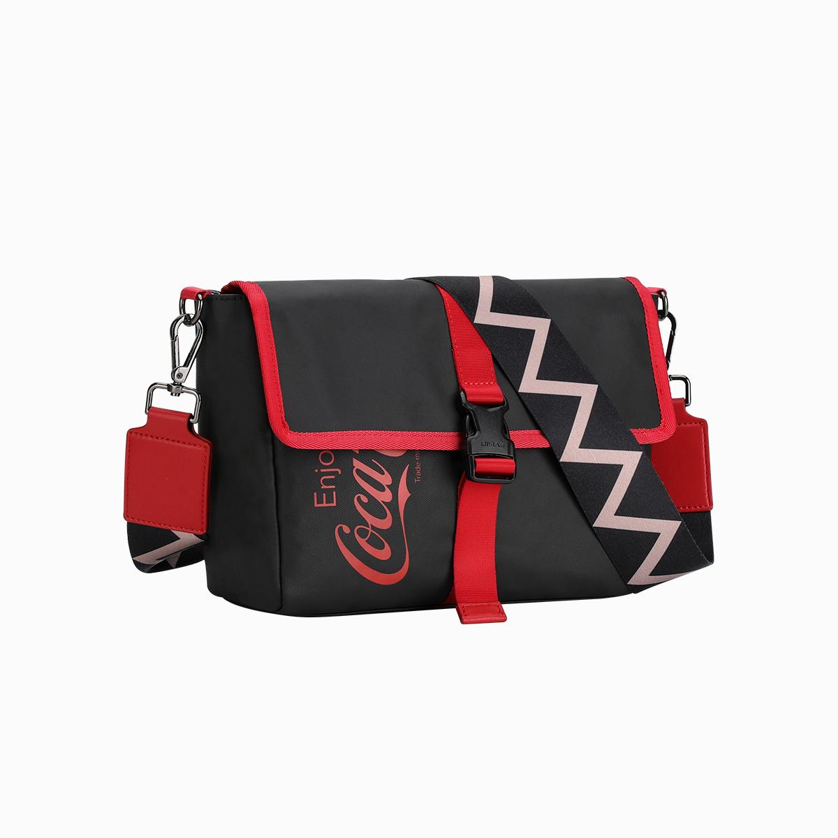 爱华仕可口可乐联名设计款男士包包撞色单肩斜挎包